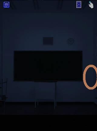 cubic room2攻略 黒板がある部屋の赤点滅